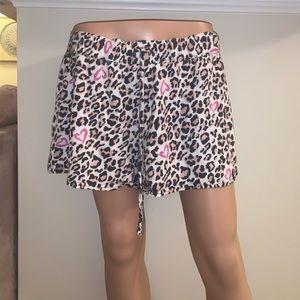 Cheetah Print w Pink Hearts shorts size 1X